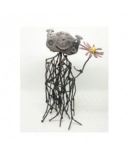 Alfredo Zarazaga Recycling Art Sculpture Flores 1
