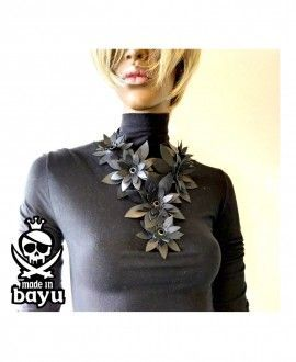Bayu Recycled Rubber Necklace Flowers